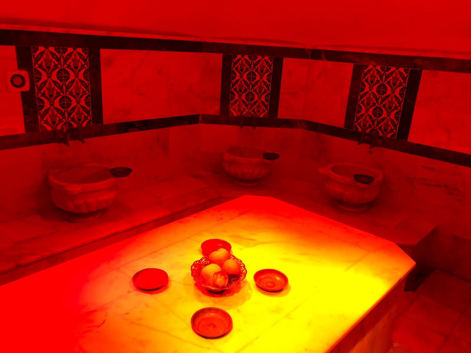 Sitemizde bulunan Sauna/Hamam hizmetinize açılmıştır.